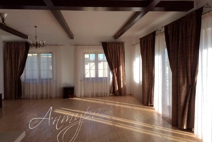 Красивые и модные шторы для гостиной в Мытищах и Королеве