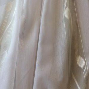 Тюль - легкая бледно-зеленая с белым выделка полосами (низ - утяжелитель)
