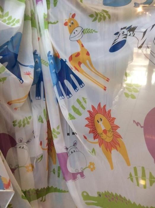 Тюль с детским рисунком по белой вуали (низ- утяжелитель)